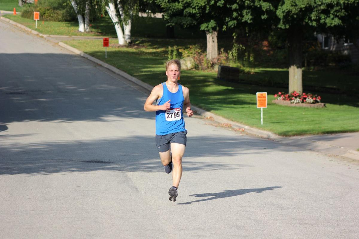 Dockendorff sets pace