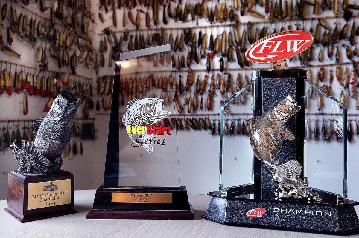 pro bass fishing tom monsoor captures prestigious flw tour event