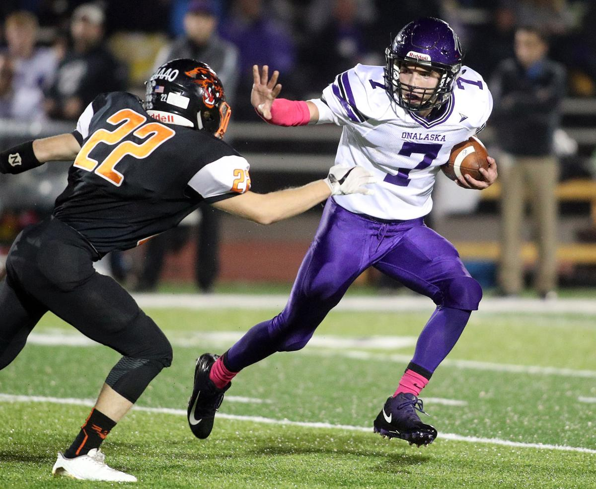 Onalaska football photo