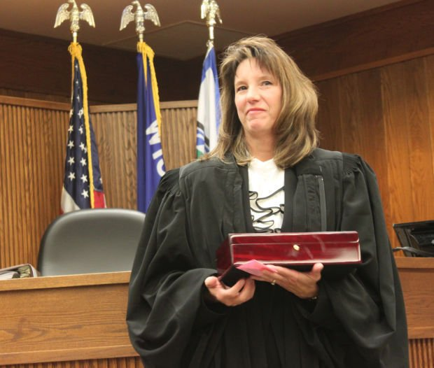 New Jackson County Judge Takes The Bench