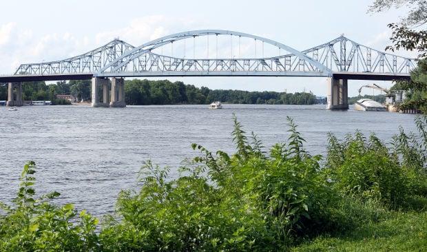Hometown Icon: Cass Street Bridge