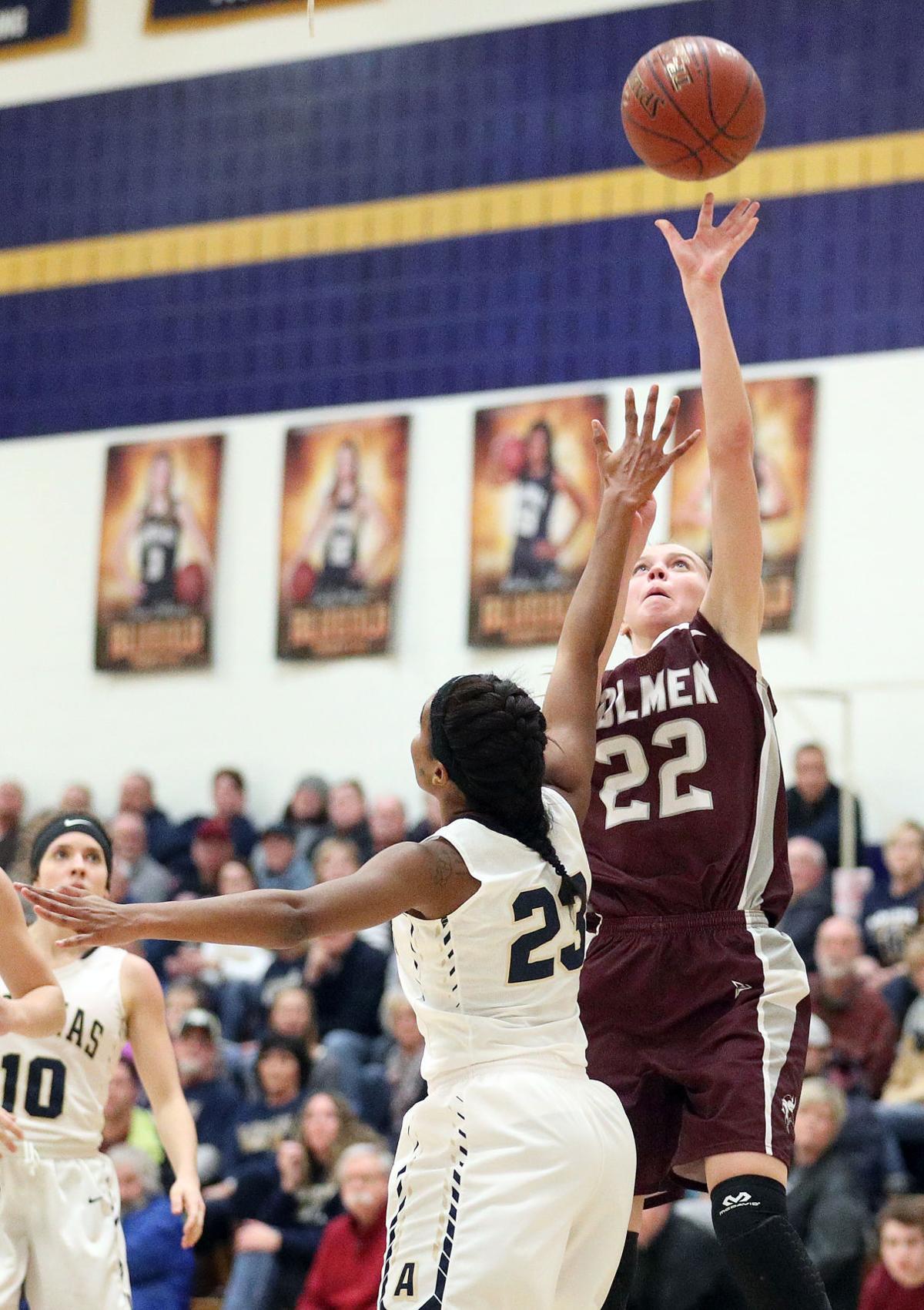 JUMP Aquinas vs. Holmen Girls Basketball