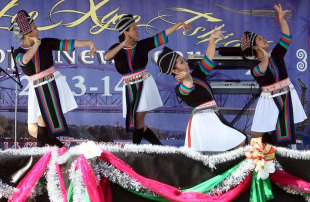 hmong-new-year-dance