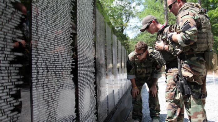 Vietnam memorial effort aims to detail faces, stories behind the names