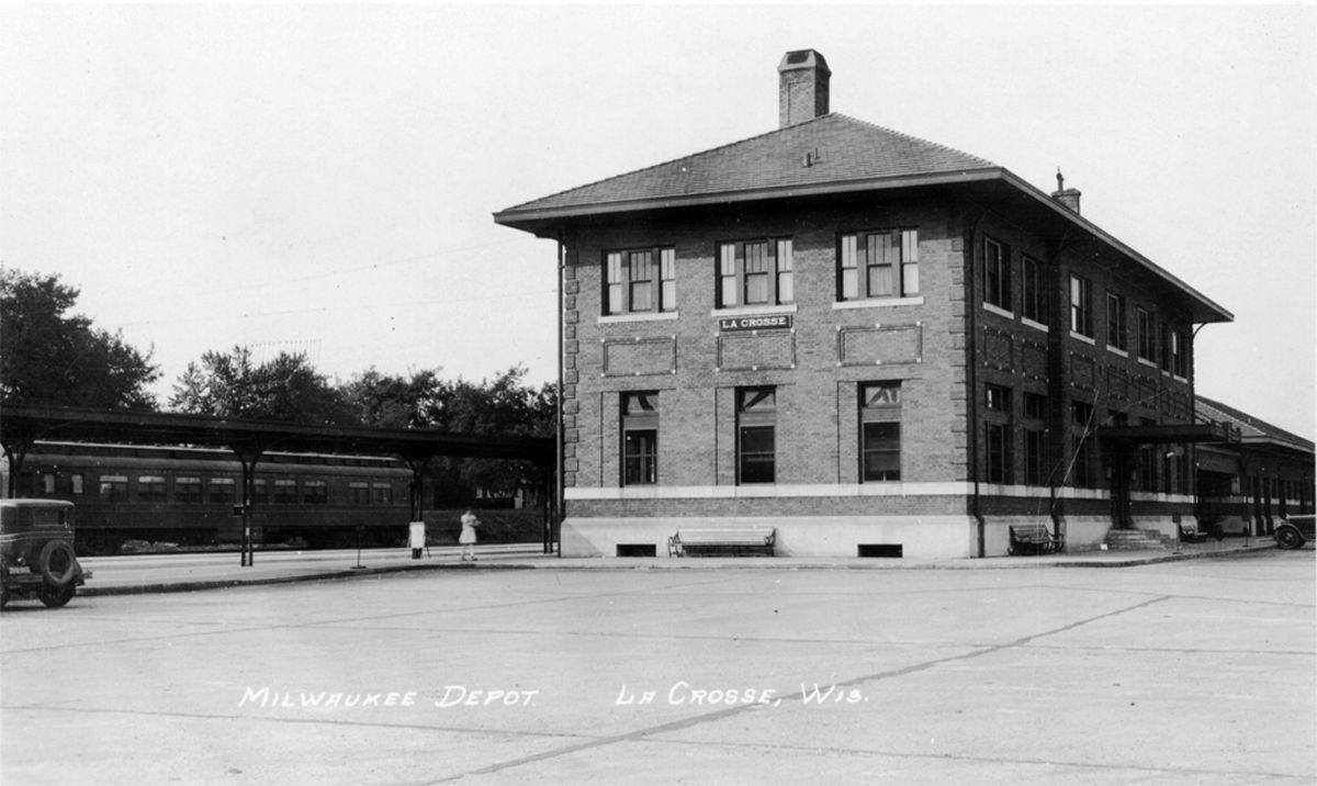 The Way it Was: Milwaukee Railroad Depot