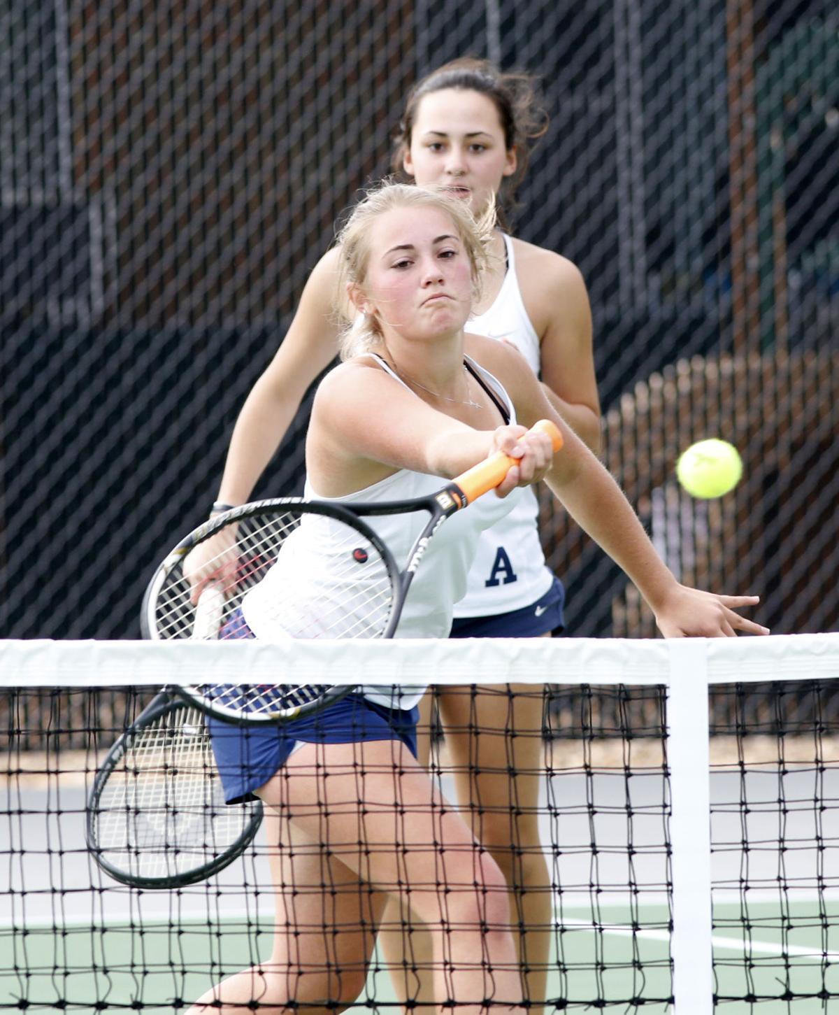Aquinas doubles tennis