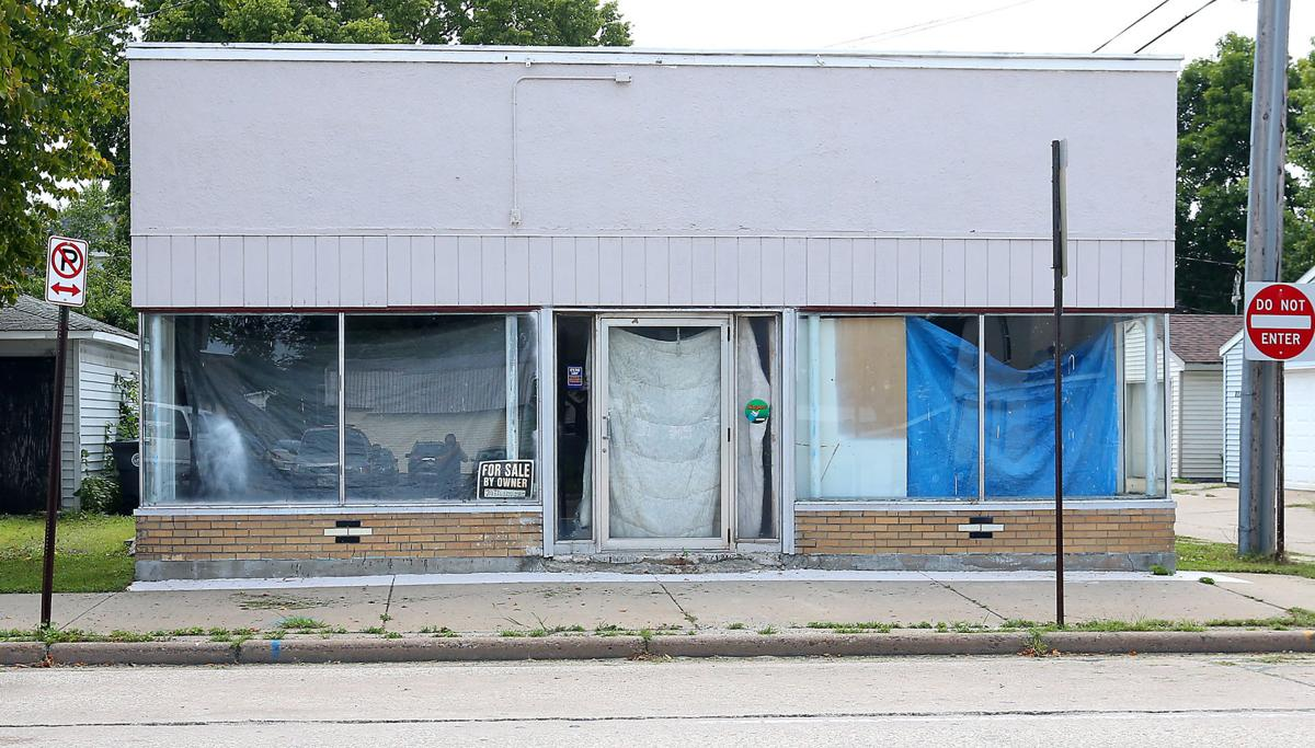 La Crosse to purchase former Plaid Pantry