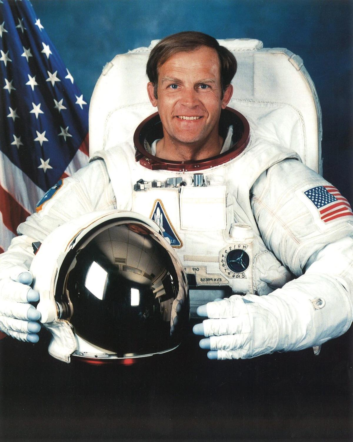 Astronaut Mark Lee, 1995