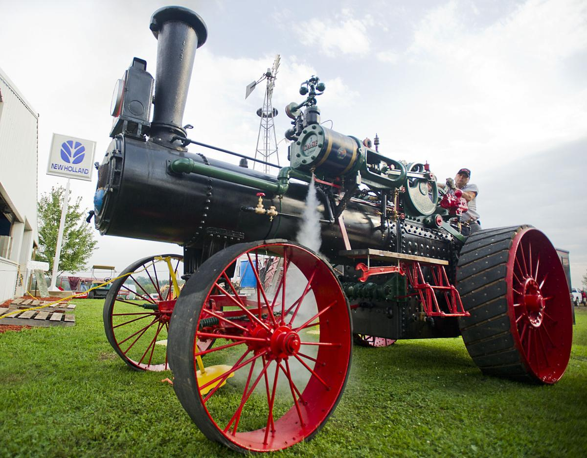 Family honors father with working steam engine | Local ...