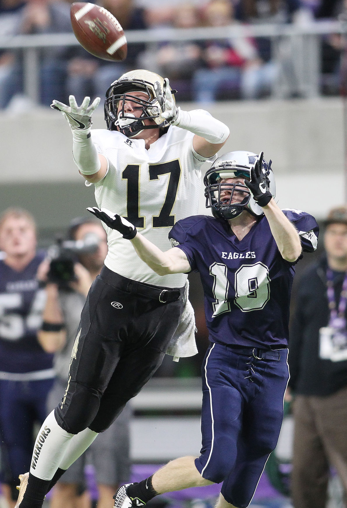 MSHSL football playoffs: Caledonia heads to state quarterfinals after big game from Jordan Burg