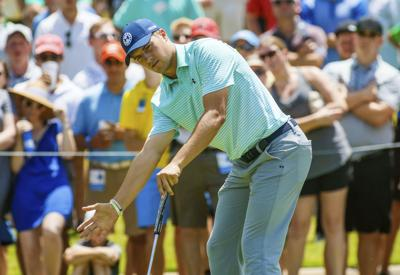 Spieth avoids Colonial cut scare, has shot to defend title