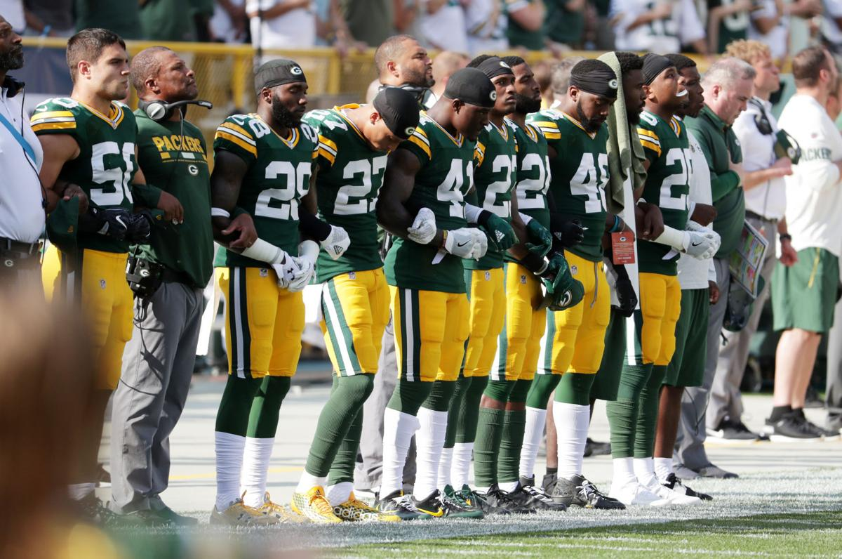 Packers locked-arms photo
