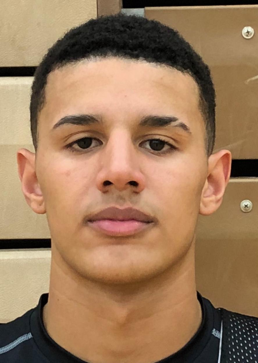 High school basketball: La Crosse Central's Johnny Davis picks up 2 more offers