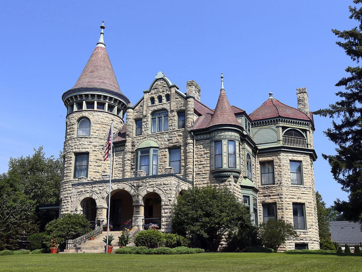 Castle La Crosse 1