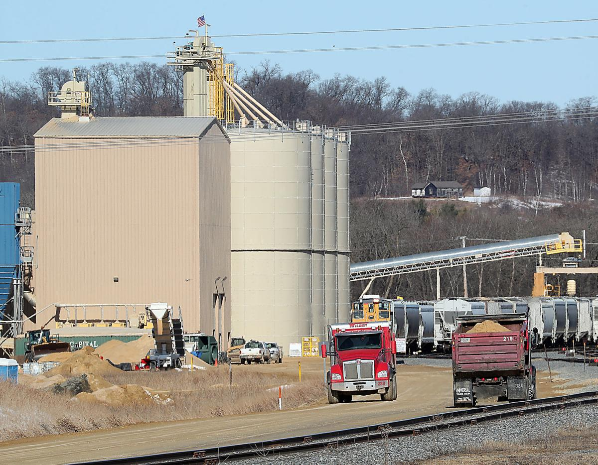 Wisconsin frac sand industry roars back, but new competition