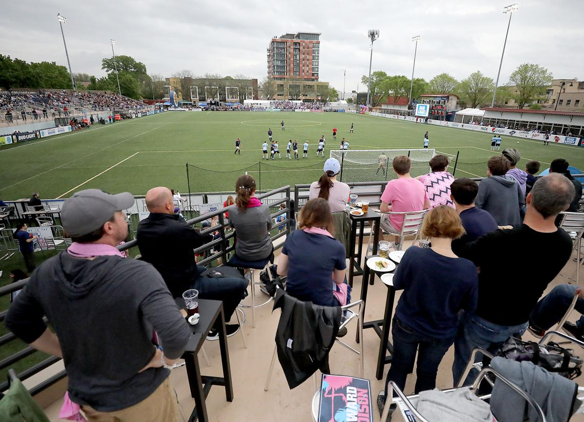 Forward Madison fans