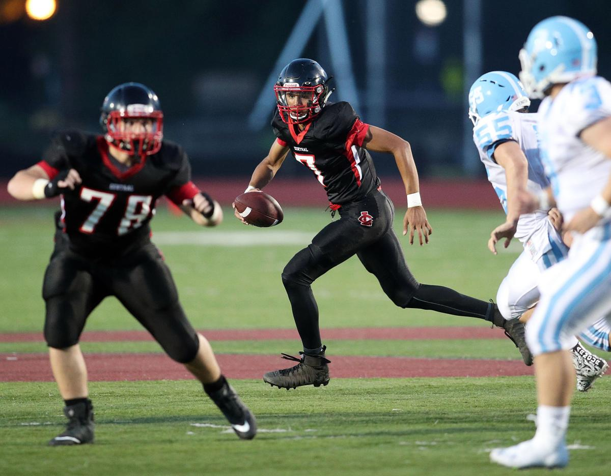 High school football Johnny Davis shines as Red Raiders win