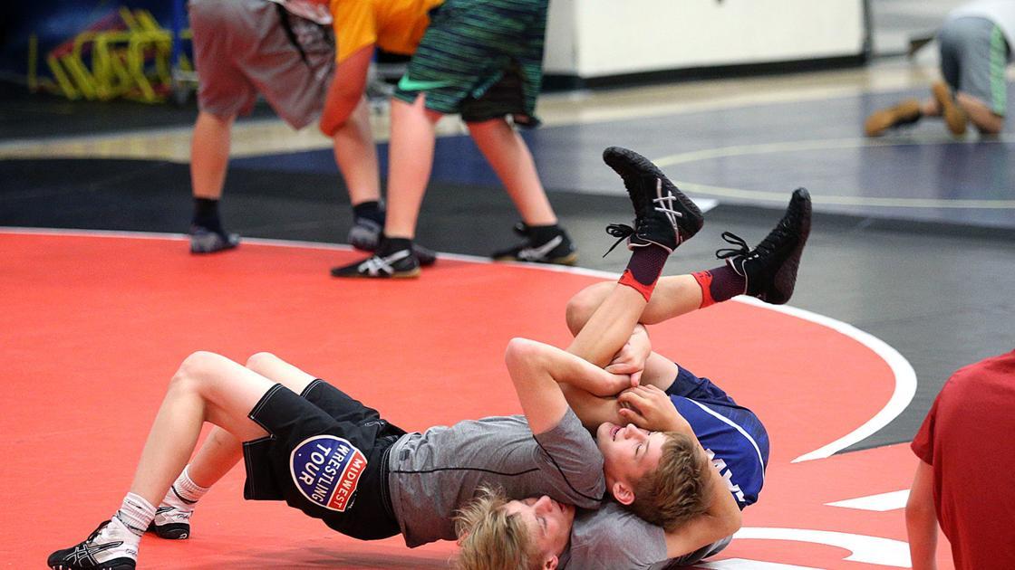 High school wrestling: Ben Askren brings camp to La Crosse ...