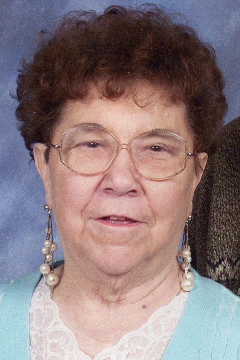 Loretta Servais