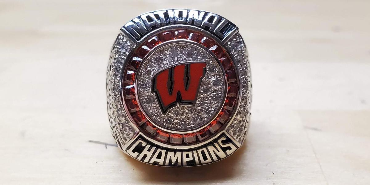 Badgers women's hockey 2021 NCAA championship ring, front