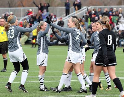 UW-L women's soccer