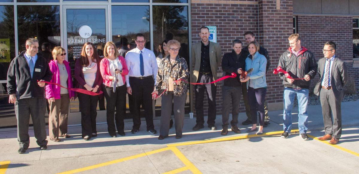 814 Main Street ribbon cutting ceremony