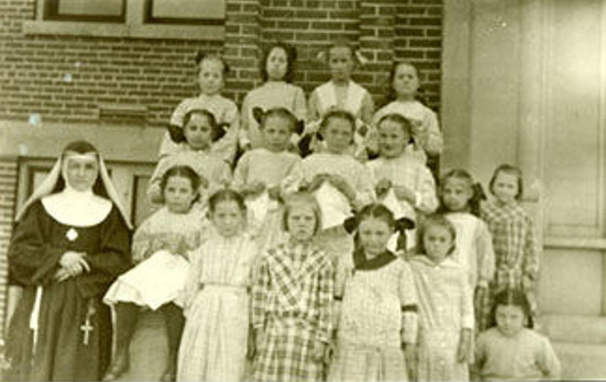 FSPA with students in 1870