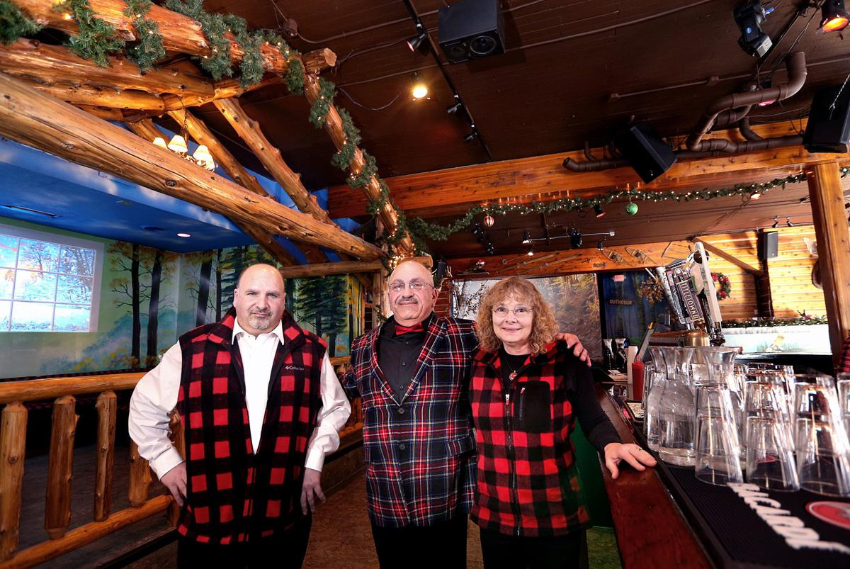 The Twisted Moose Offers Northwoods Fare Atmosphere