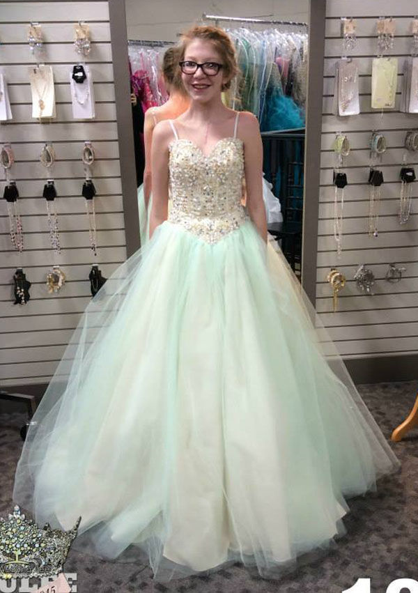 LCHS junior wins more than a prom dress | Houston County News ...