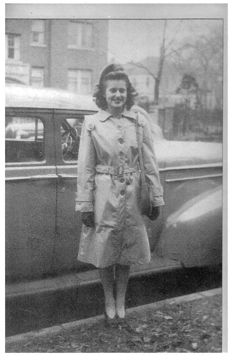 Marian 1946 in uniform