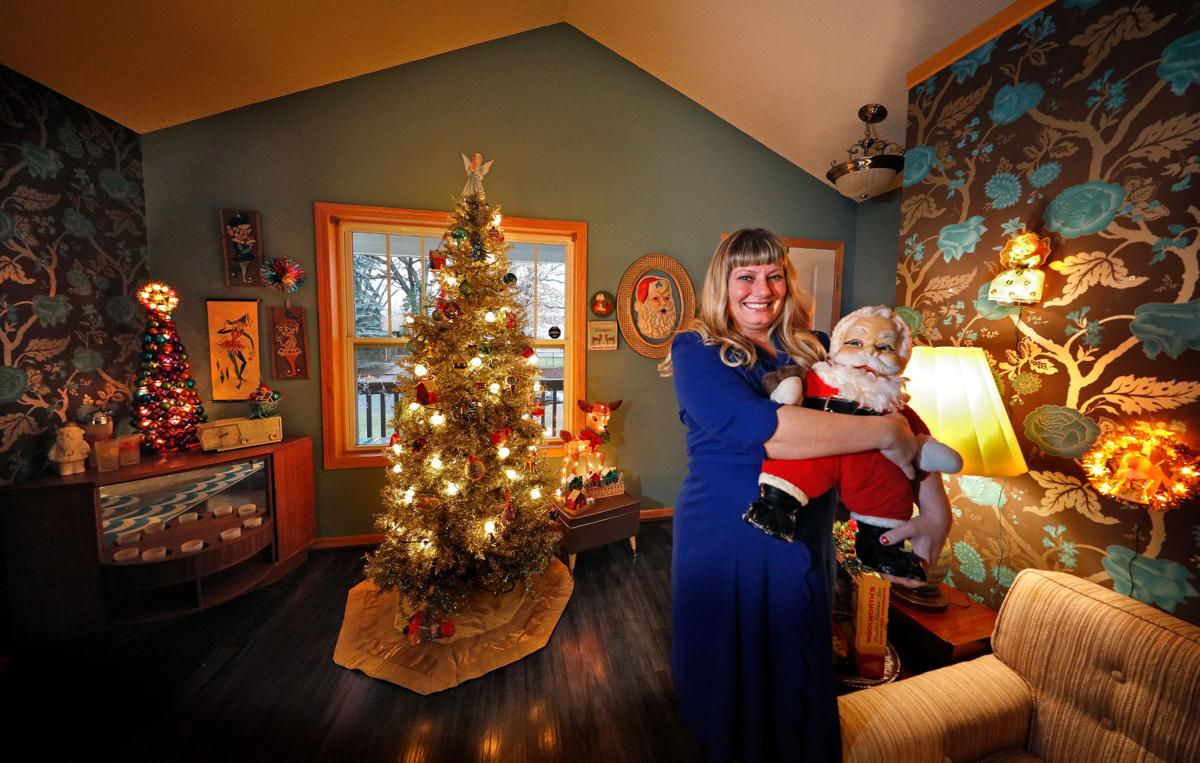 Christmas decor of the twin cities - Twin Cities Collectors Of Vintage Holiday Decor Celebrate A Merry Retro Christmas