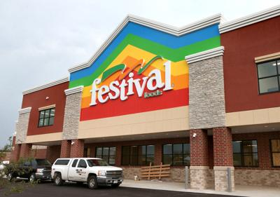 New, much larger Festival Foods opens Friday in Holmen