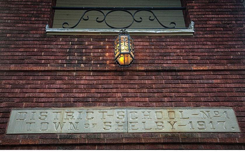 The Wilson Schoolhouse Inn facade