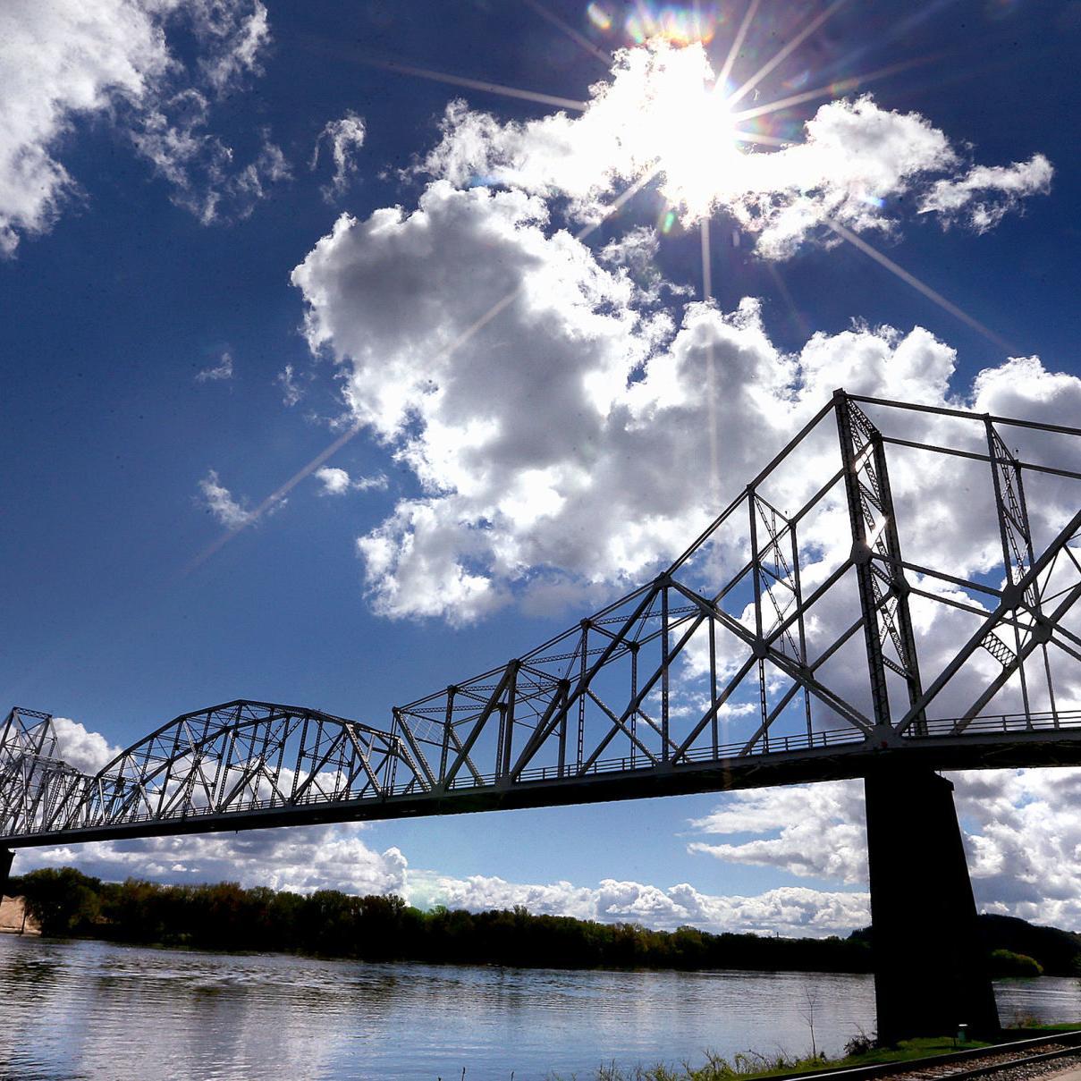Sooner or later, say goodbye to the Lansing bridge as you