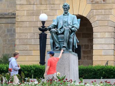 Abe Lincoln Statue (copy)