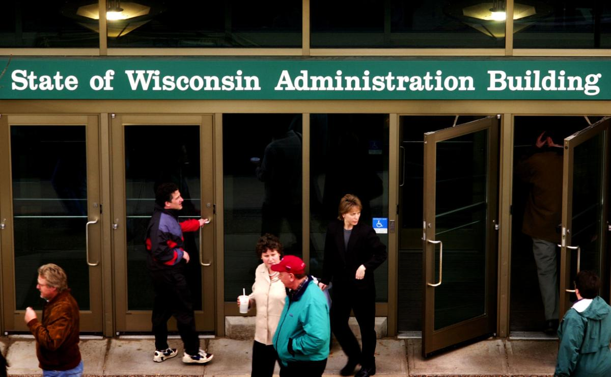 How much do Wisconsin state employees make? Find out