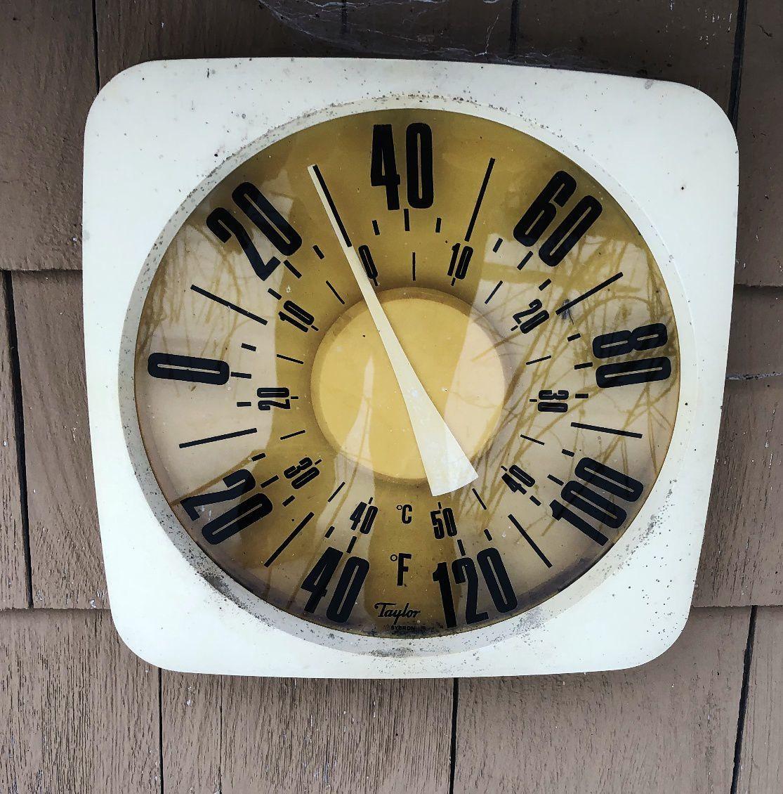 Garage thermometer