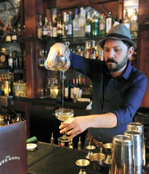 50 Great Places to Get a Drink in Downtown