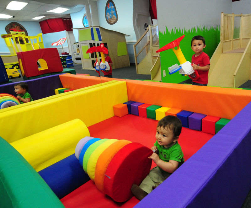 Downtown 39 s new kids 39 indoor playground arts and culture for Rooms 4 kids chicago