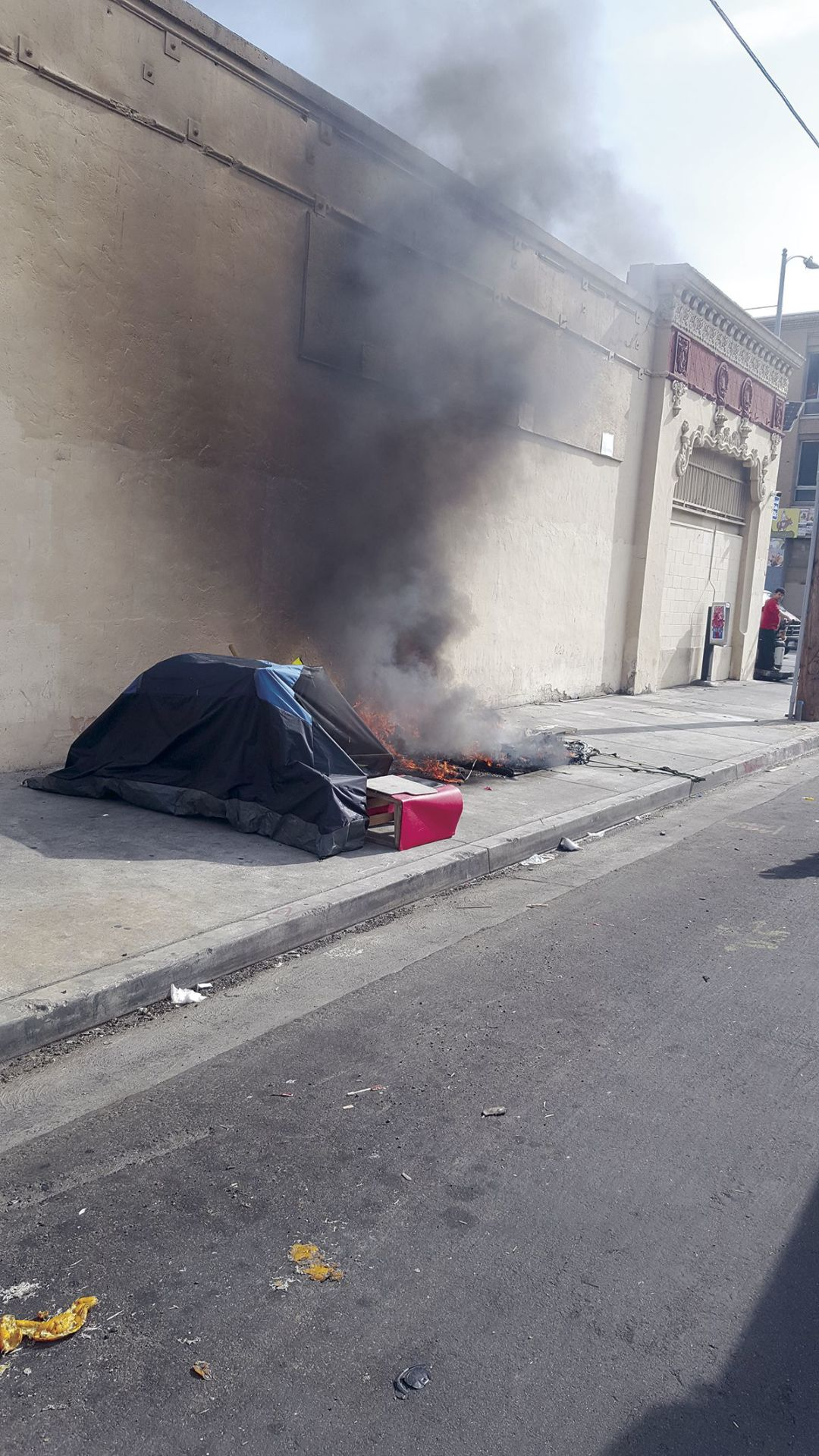 The Danger of Skid Row Tent Fires | Los Angeles Downtown News