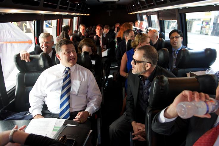 Streetcar Proponents Woo Washington Leaders