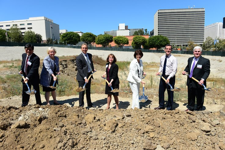 Officials Break Ground on Federal Courthouse