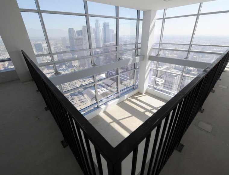 What 39 s for sale a sky high penthouse with a record price for Penthouses for sale los angeles
