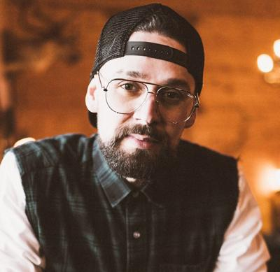 Former Summer Lake resident signs record deal
