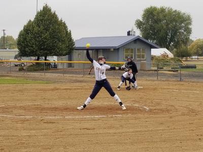 LHS softball team sweeps Sisters