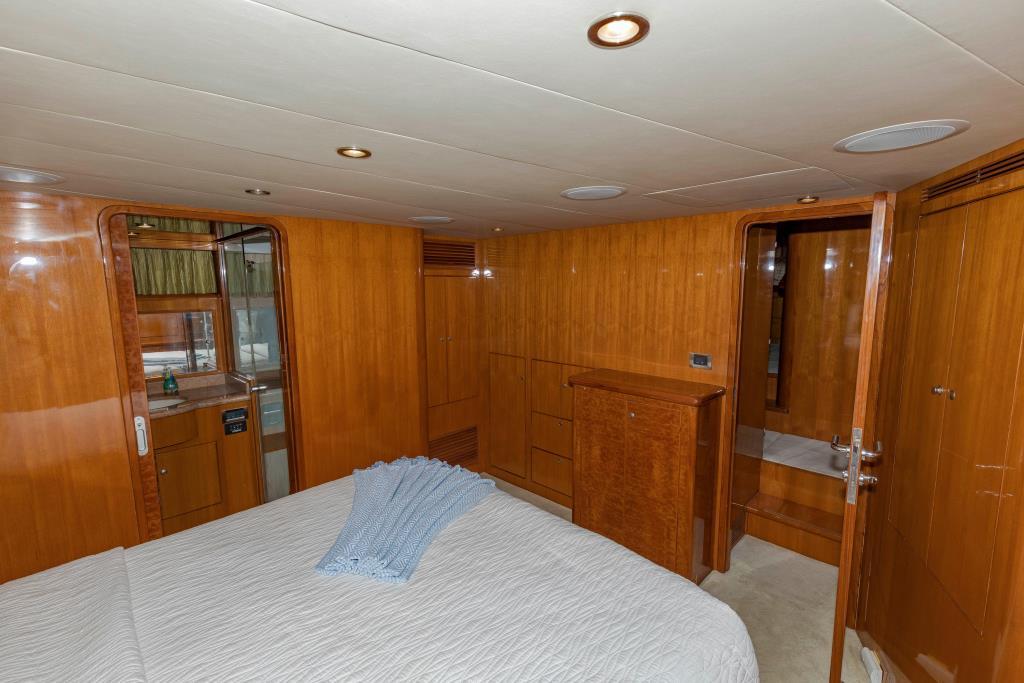 2006  Ocean Alexander Pilothouse