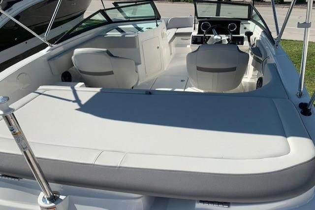 2020  Sea Ray SPX 190 Outboard