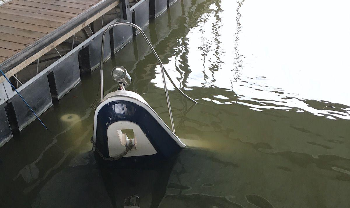 Boat Sinks At Lake Of The Ozarks PB2 Dock | Boat Crashes ...