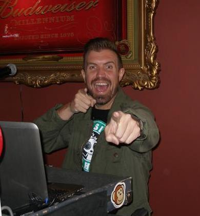 DJ Kyle Pointing