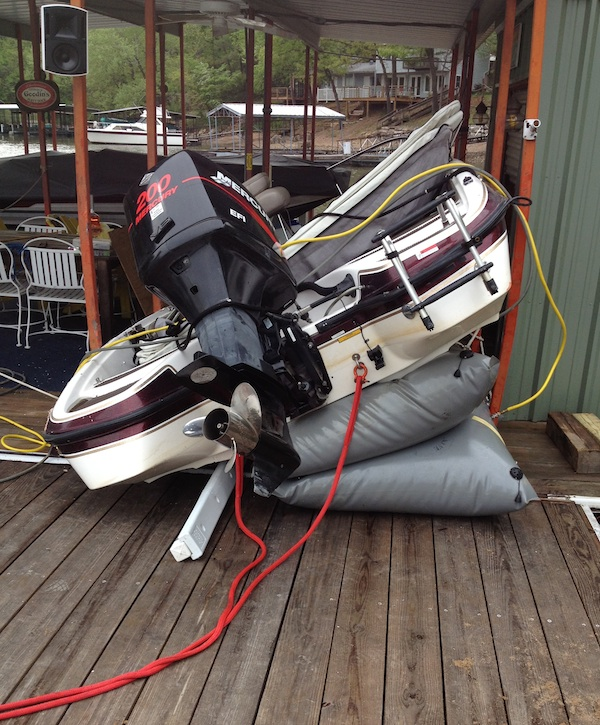 Lightning Strikes Bass Boat Crashes Into Dock At 31mm